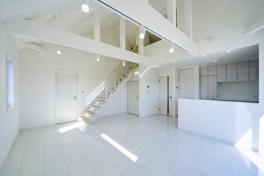 IH 019 1 522x348 - 家族のライフスタイルを重視した上下分離型二世帯住宅