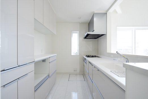 IH 028 522x348 - 家族のライフスタイルを重視した上下分離型二世帯住宅