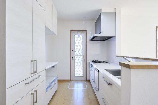 IH 122 522x348 - 家族のライフスタイルを重視した上下分離型二世帯住宅