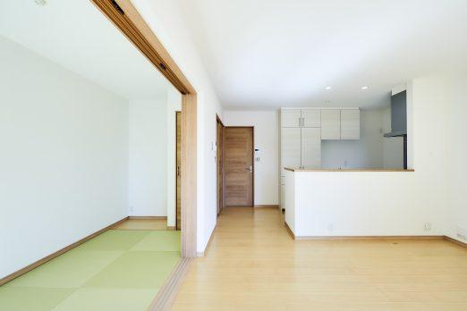 IH 139 1 522x348 - 家族のライフスタイルを重視した上下分離型二世帯住宅