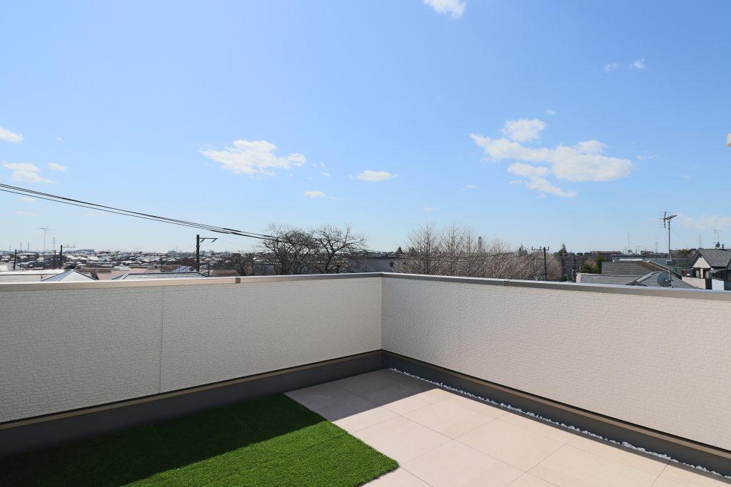 IMG 1709 1024x683 - 高低差のある敷地だからこそできる「眺望を楽しむ家」