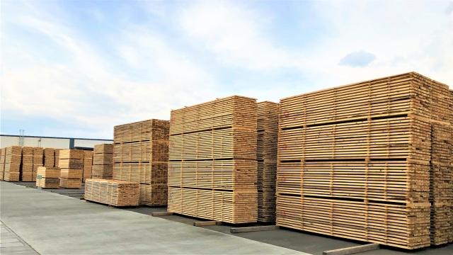 303c18c25a90bf08ed58d5287a17edcc - 【お知らせ】ウッドショックで新築木造住宅が値上げ!?